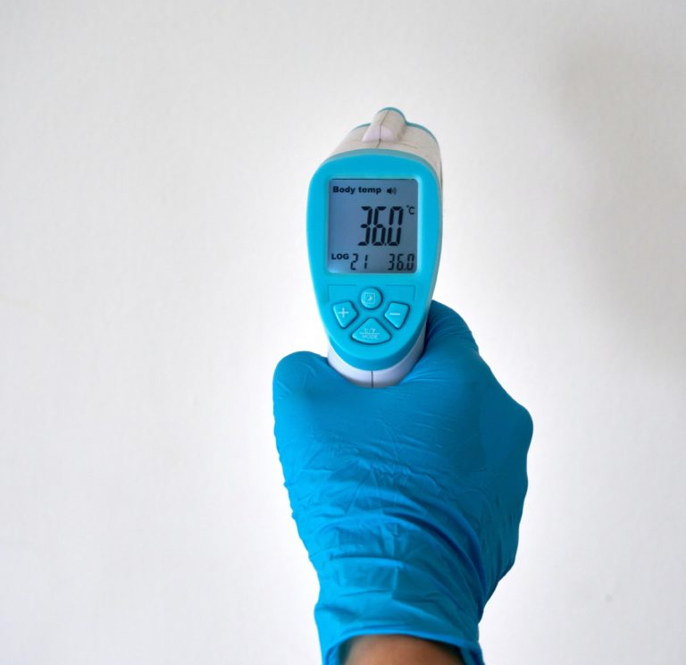 Medição da temperatura corporal, em contexto de pandemia. Qual o melhor método e como garantir uma medição correta e fiável?