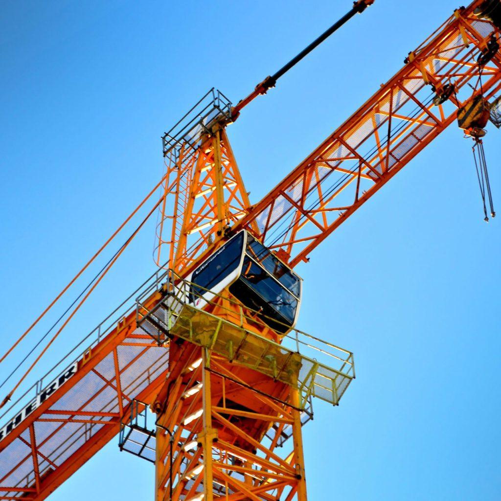 crane 1586476 1920 edited
