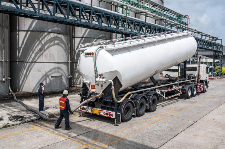 Transporte em equipamentos de grandes dimensões